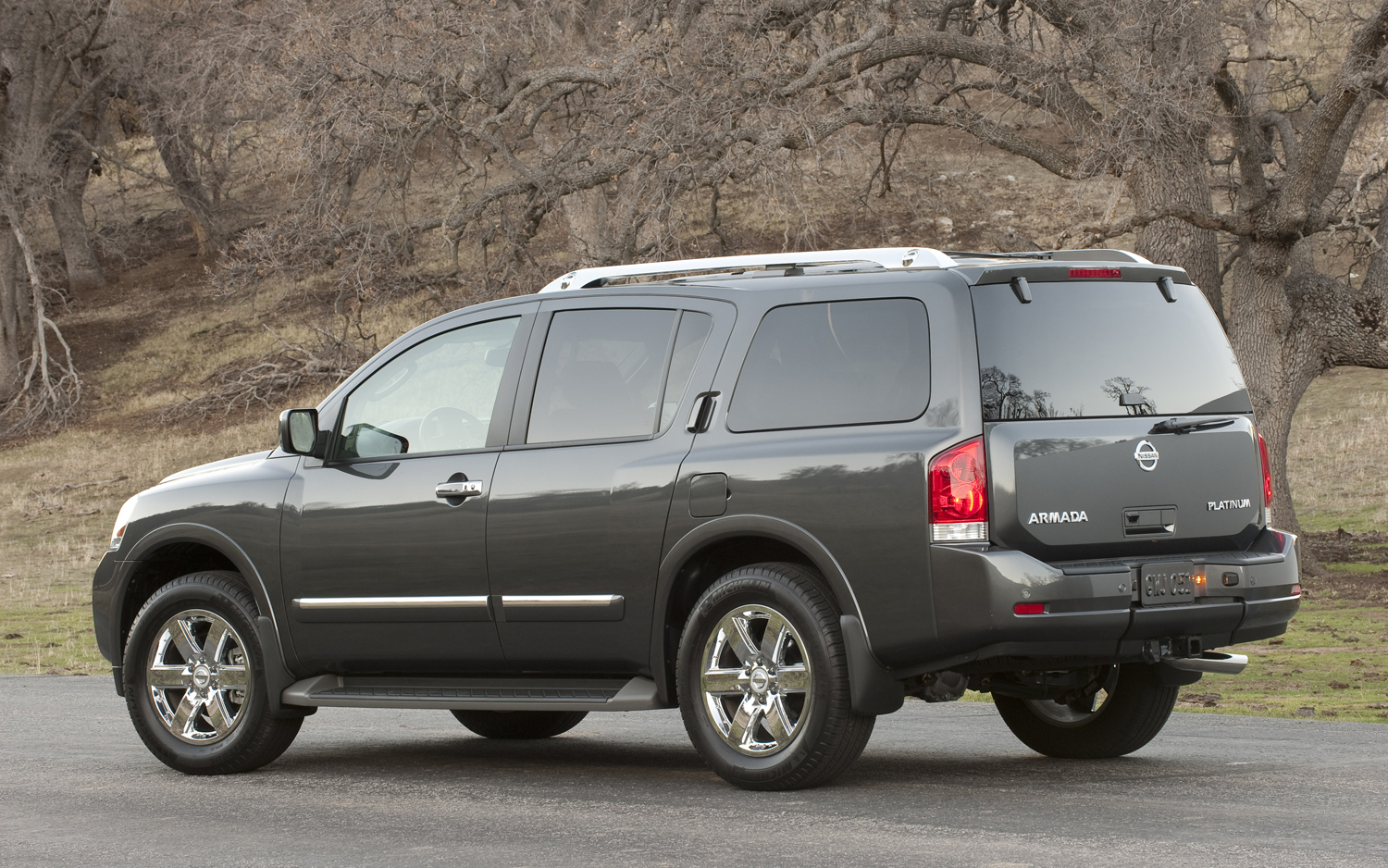 NISSAN Armada photo 11