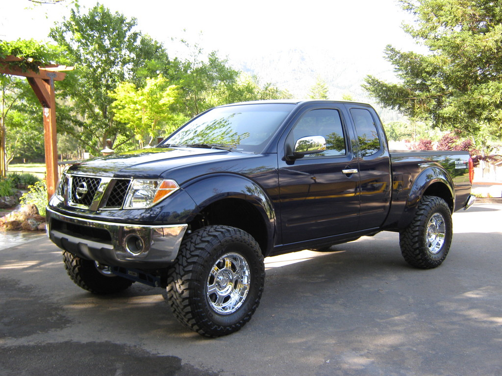 NISSAN Frontier photo 14