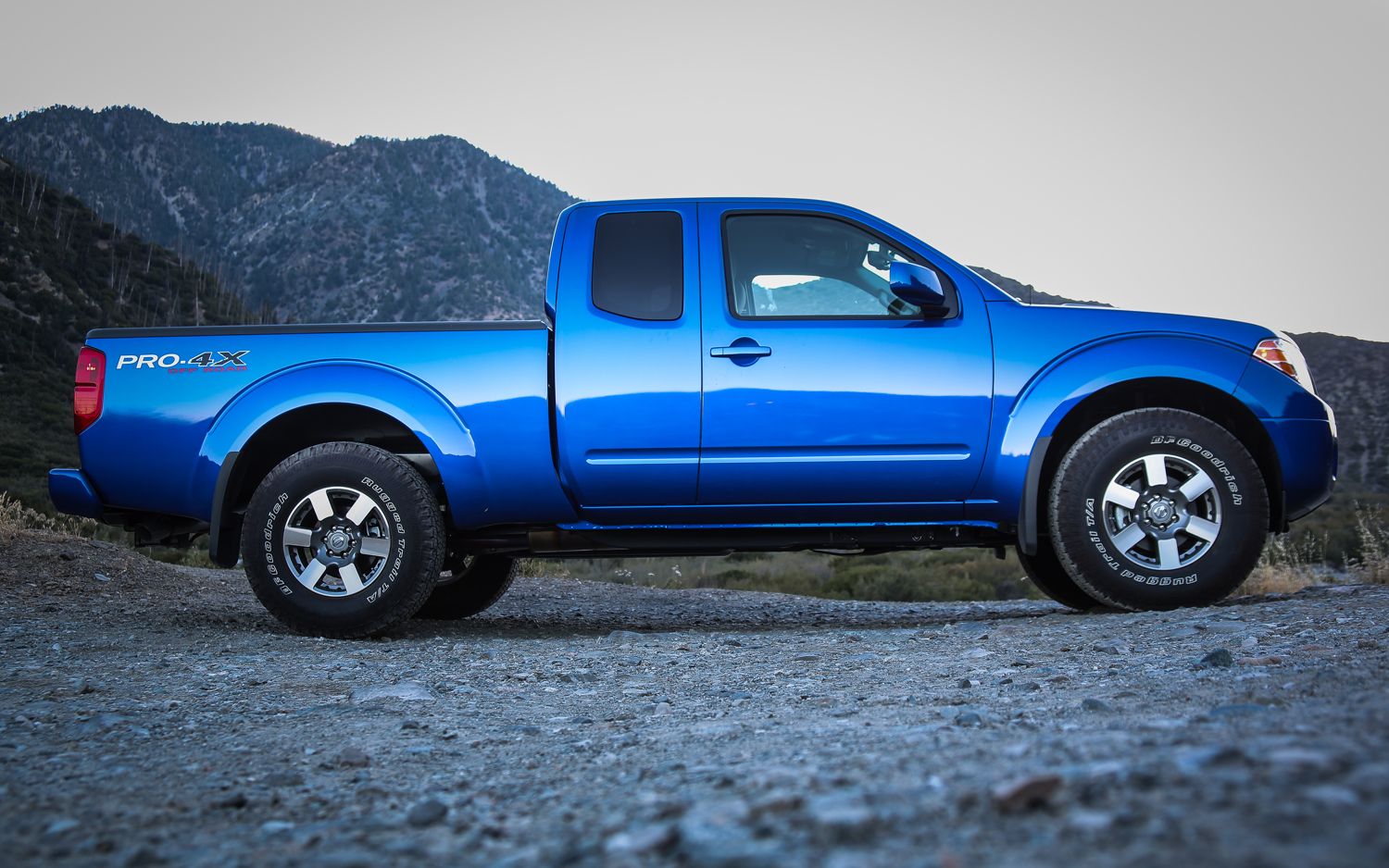 NISSAN Frontier photo 15
