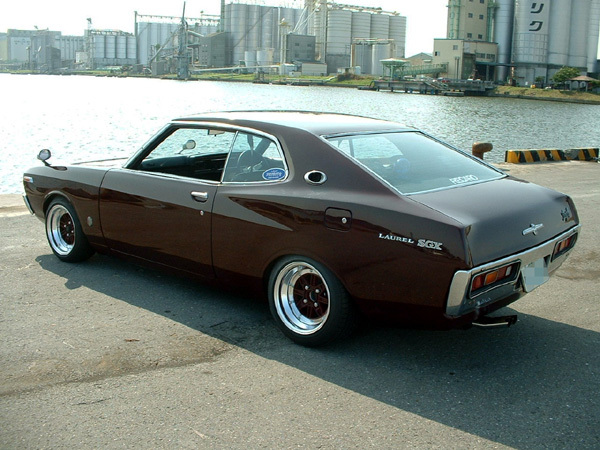 NISSAN Laurel photo 04