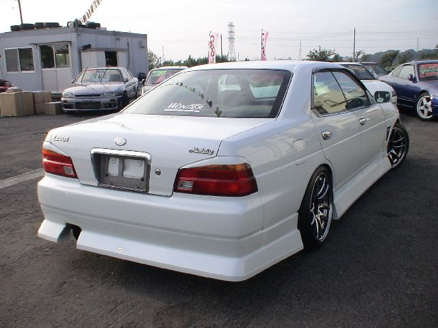 NISSAN Laurel photo 11