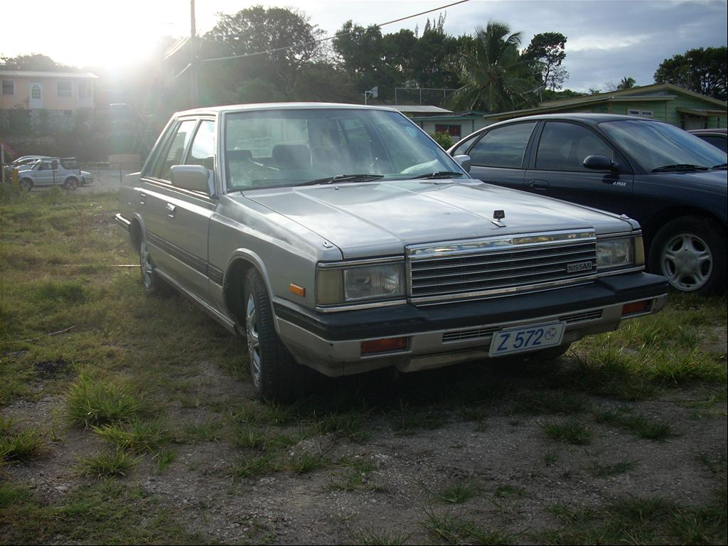 NISSAN Laurel photo 18