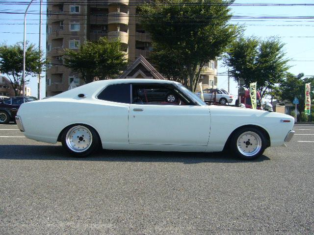 NISSAN Laurel photo 20