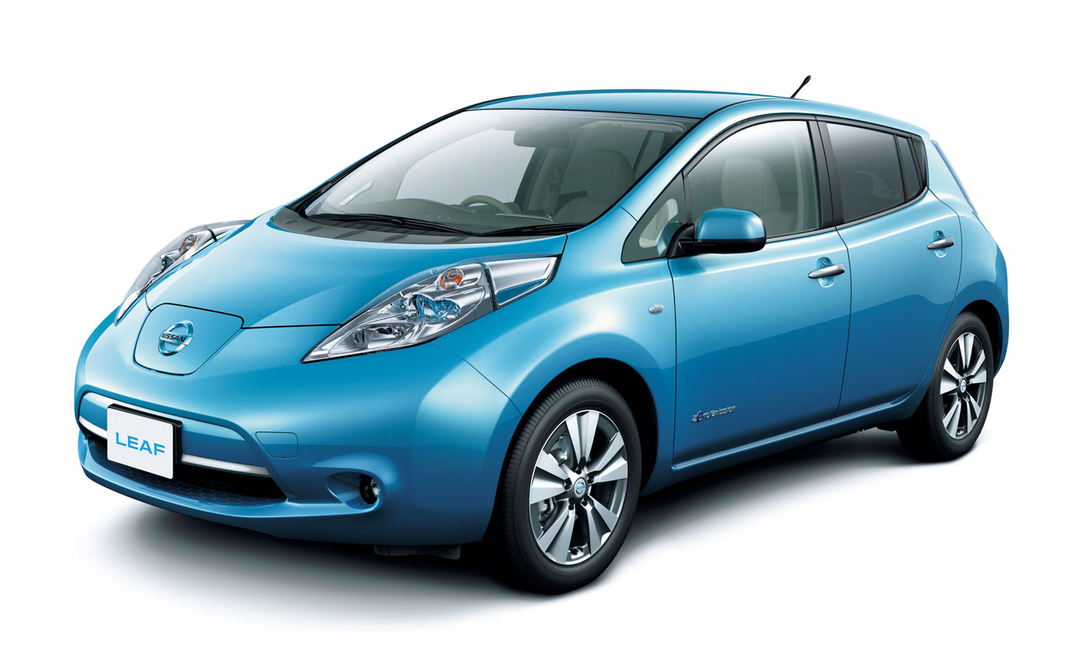 NISSAN Leaf photo 02