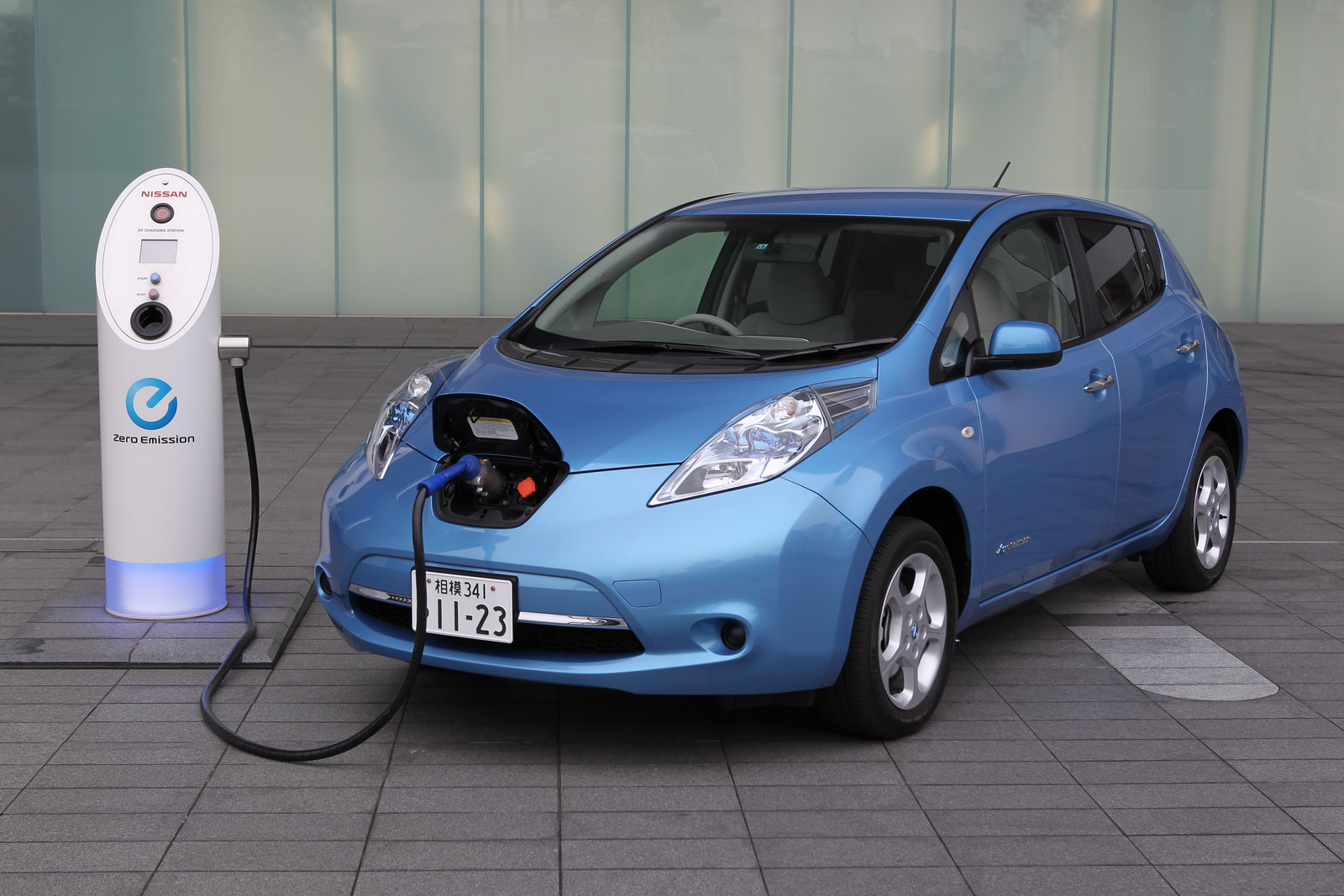 NISSAN Leaf photo 05