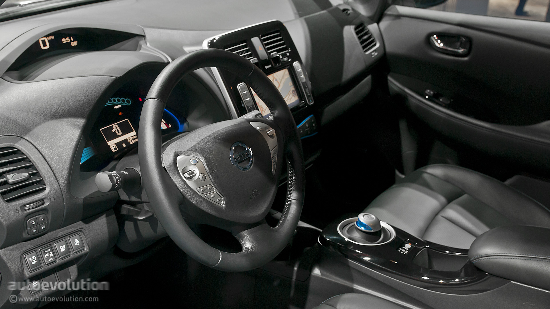NISSAN Leaf photo 10