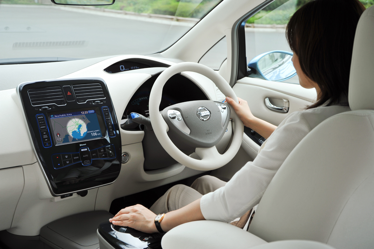 NISSAN Leaf photo 14