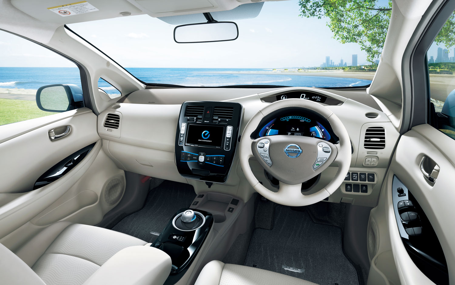 NISSAN Leaf photo 17