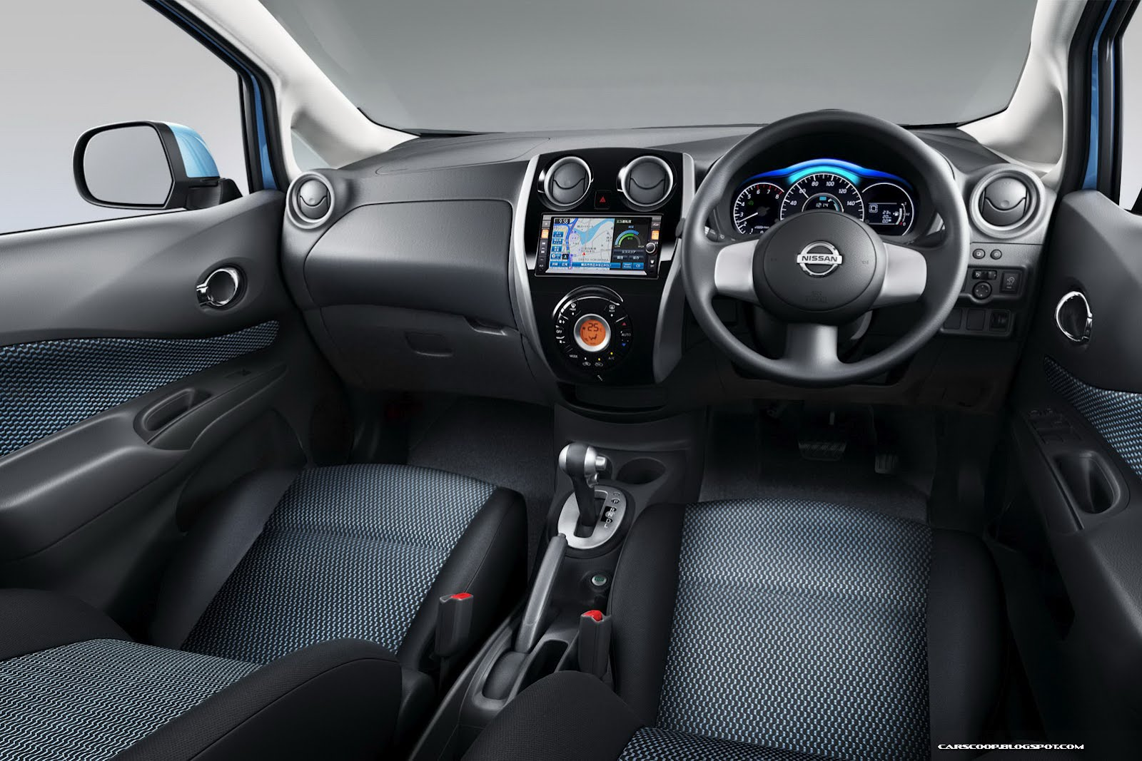NISSAN Note photo 02