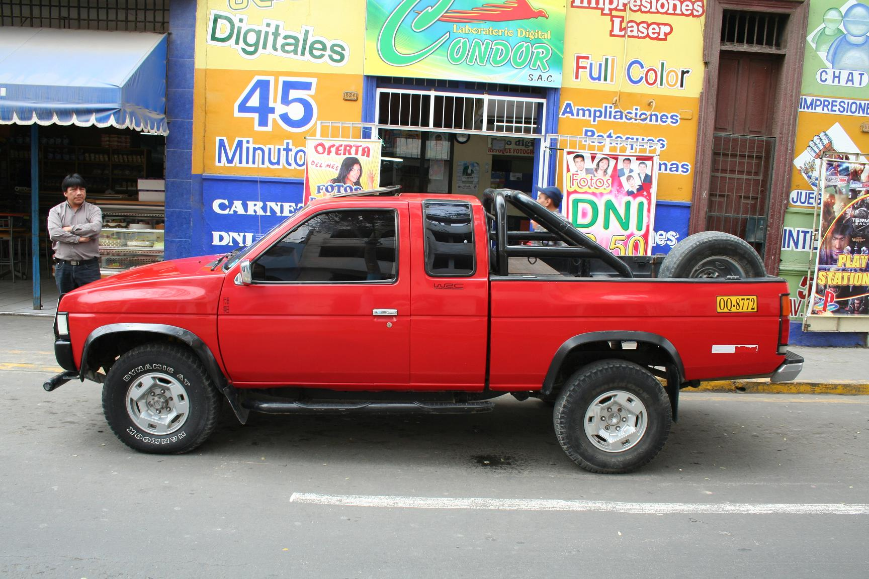 NISSAN Pick-Up photo 13
