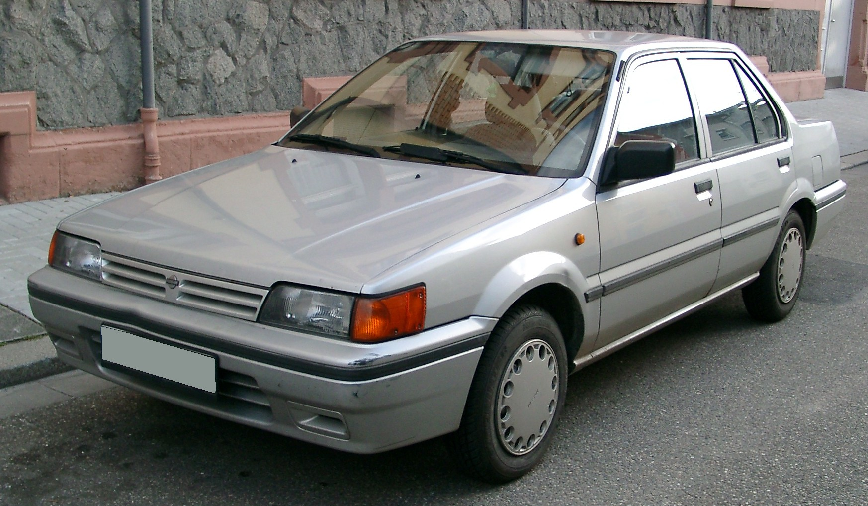 NISSAN Sunny photo 11