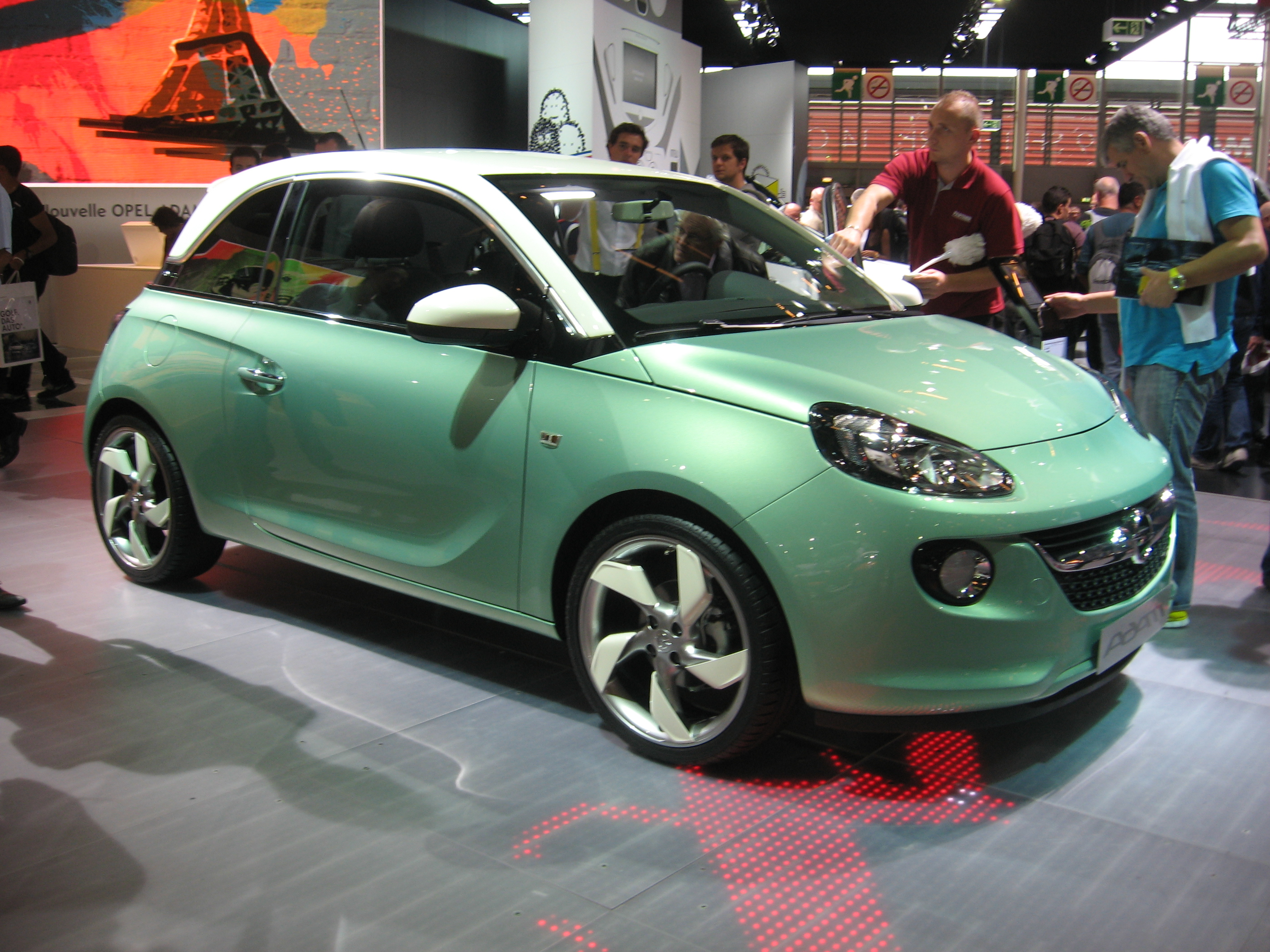 Opel Adam photo 02