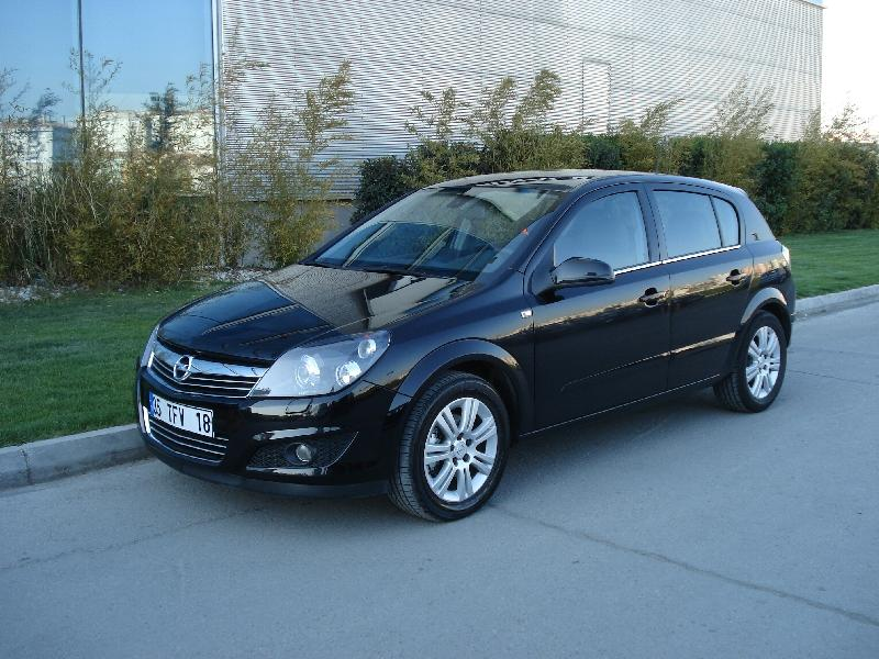 Opel Astra 1.3 CDTI photo 02