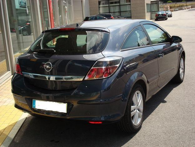 Opel Astra 1.3 CDTI photo 03