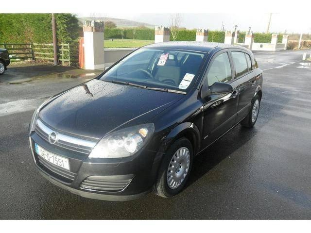 Opel Astra 1.3 CDTI photo 09