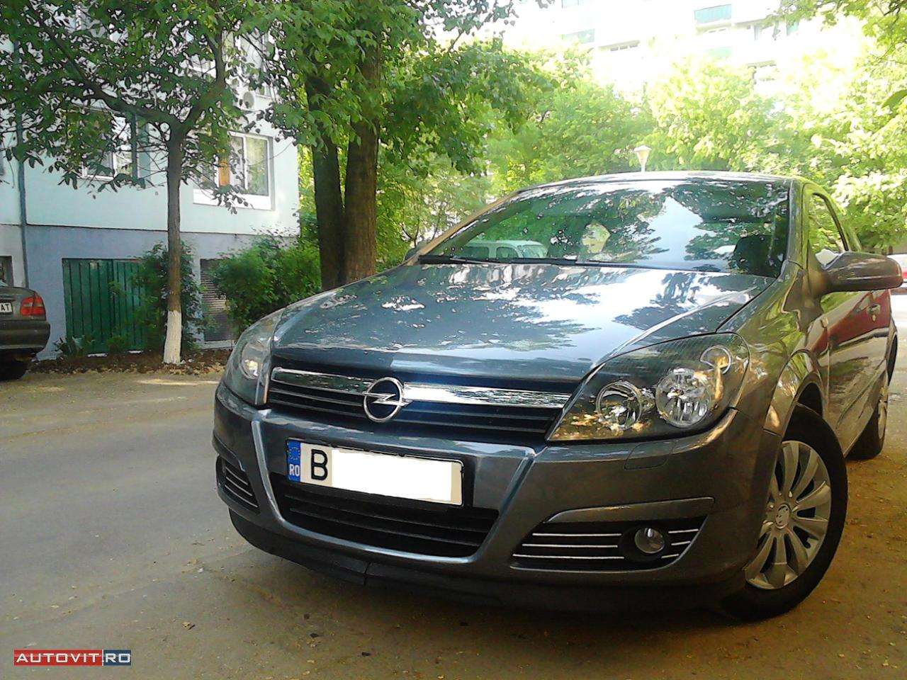Opel Astra 1.3 CDTI photo 13