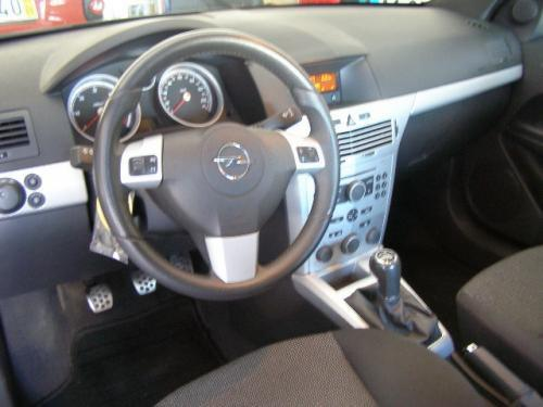 Opel Astra 1.3 CDTI photo 16
