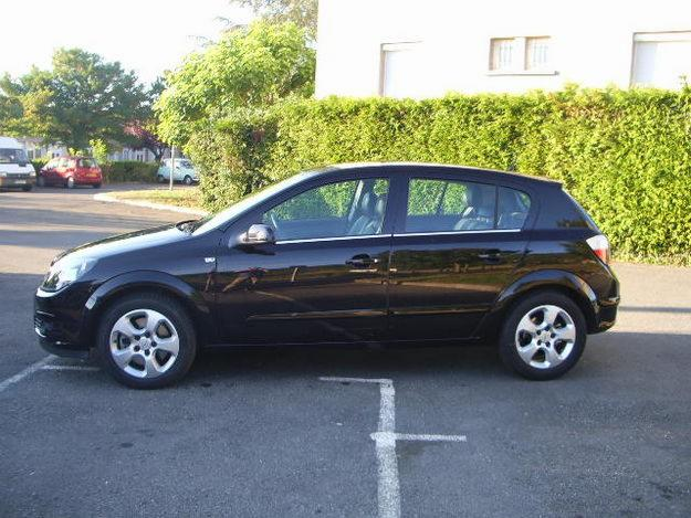 Opel Astra 1.9 CDTI photo 03