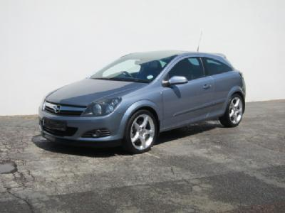 Opel Astra 1.9 CDTI photo 18