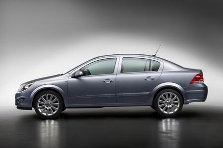 Opel Astra Berlina photo 02