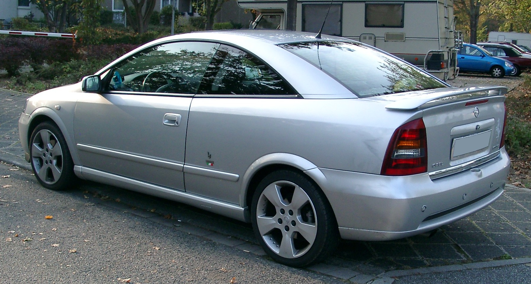 opel-astra-coup-01.jpg