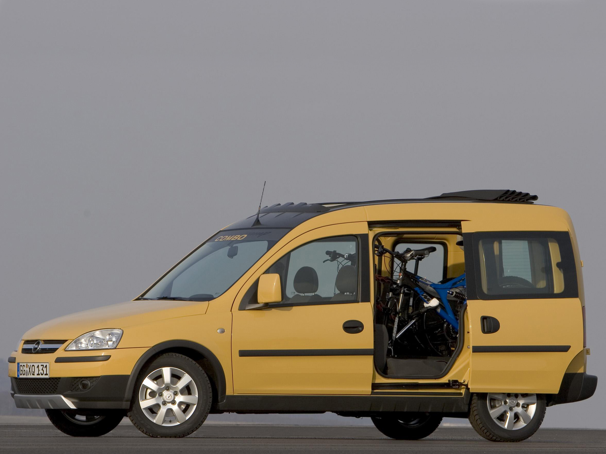 Opel Combo Tramp image #8