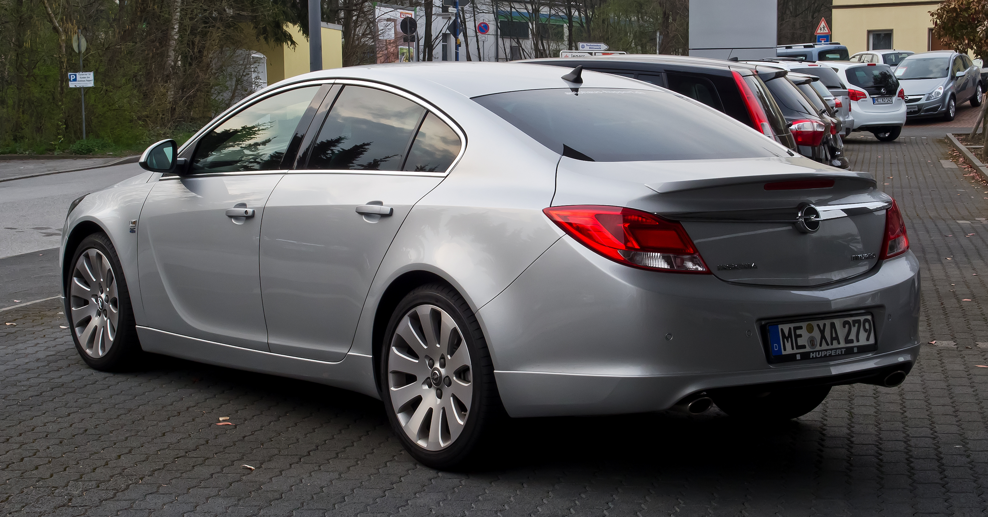 Opel Insignia 20 Biturbo CDTI technical details history photos