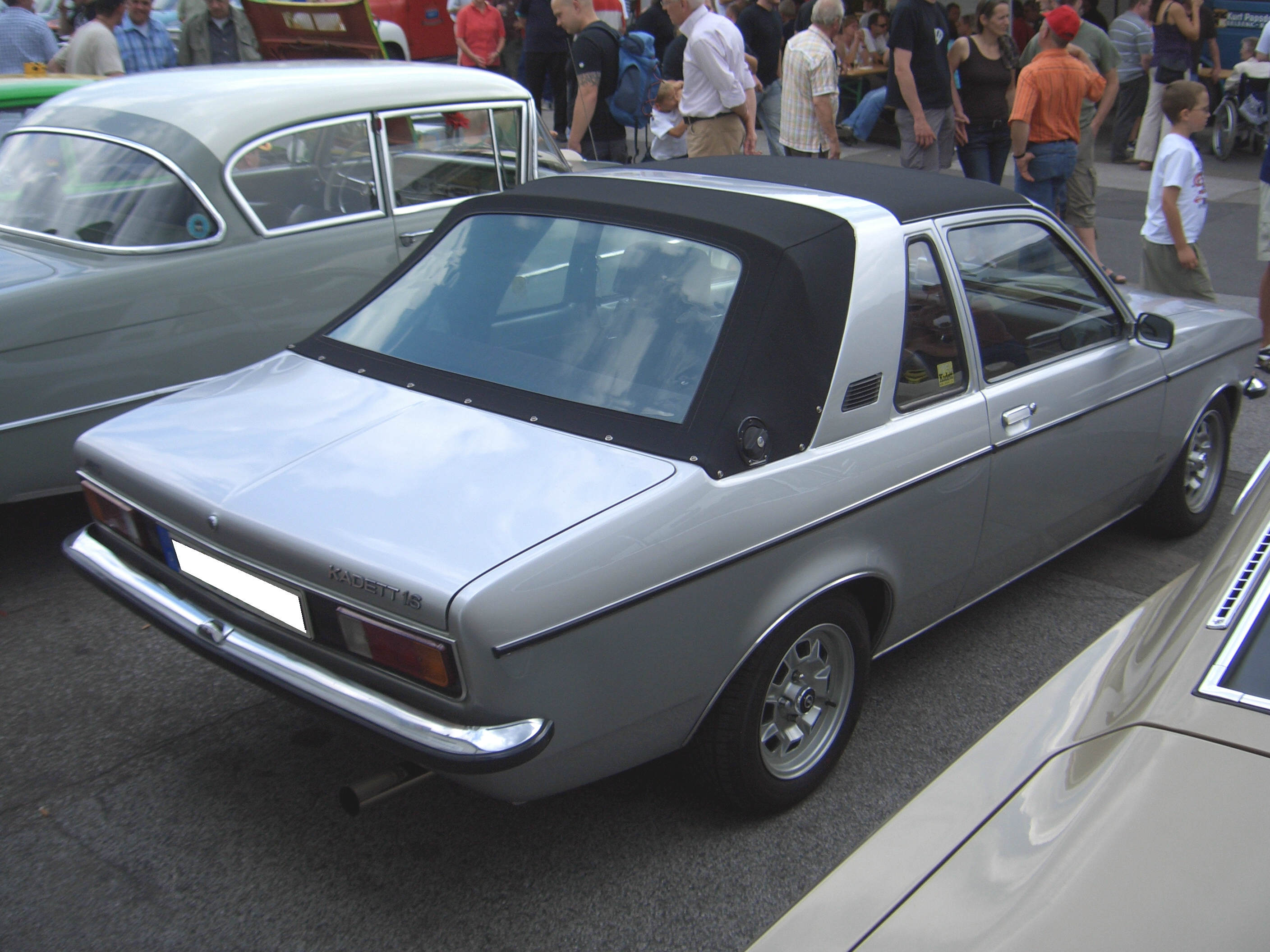 Opel Kadett Aero photo 02