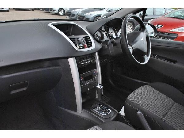 peugeot 207 sport 120 automatik technical details history. Black Bedroom Furniture Sets. Home Design Ideas