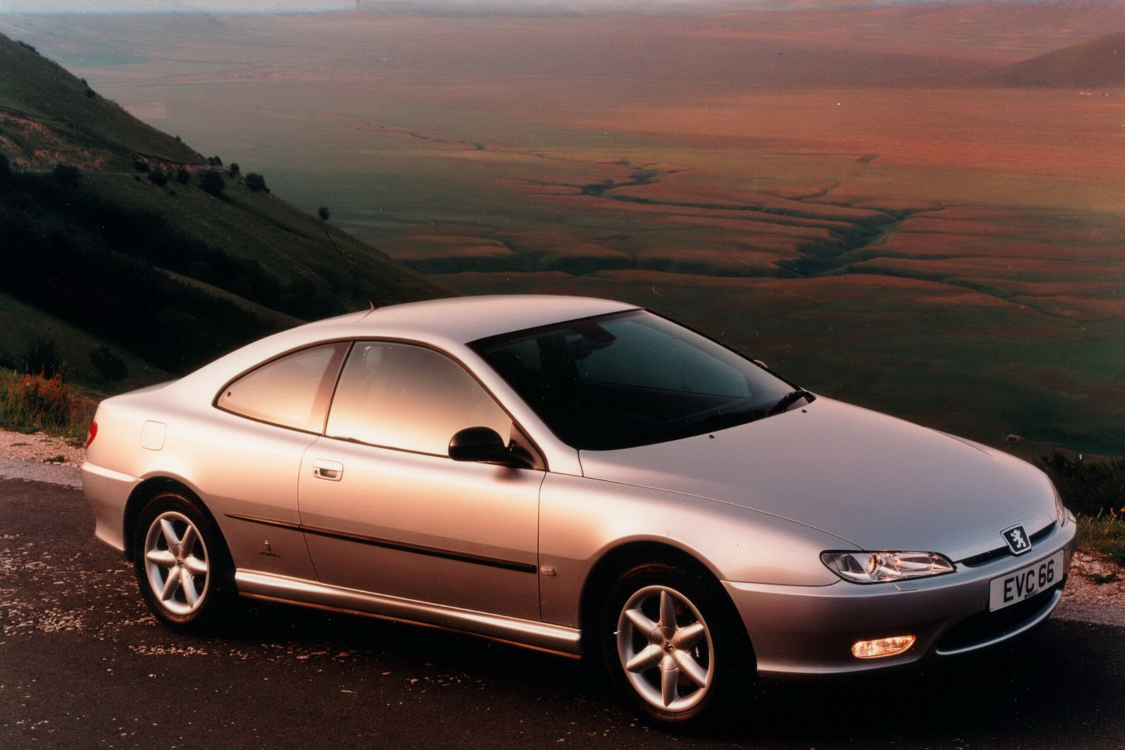 Peugeot 406 Coupé photo 06