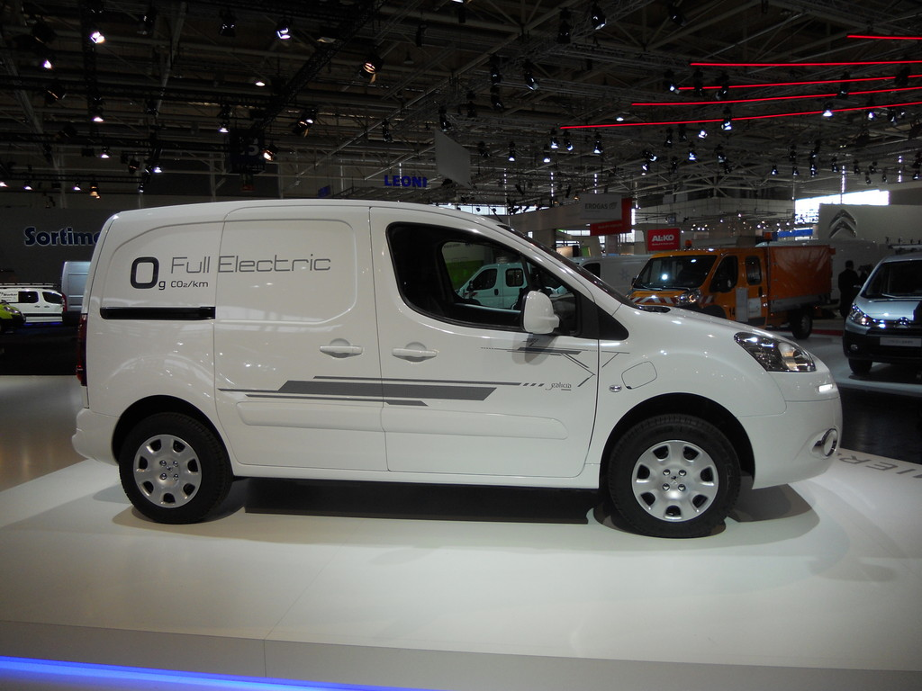 Peugeot Partner Electric image #12