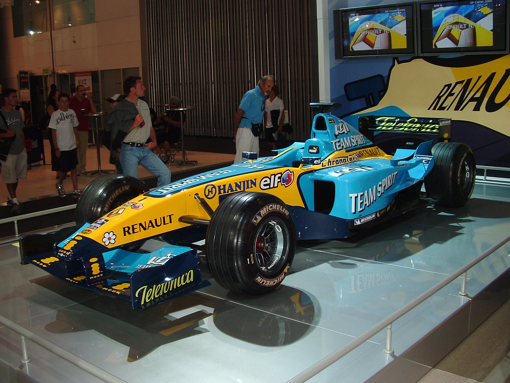 Renault R 25 photo 02