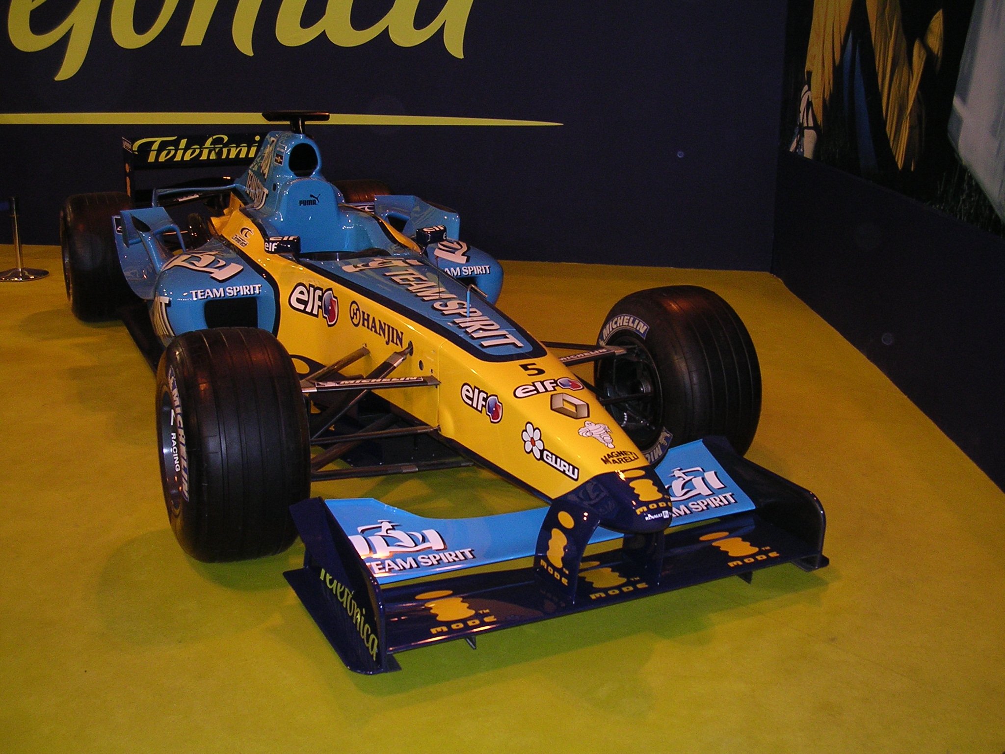 Renault R 25 photo 04