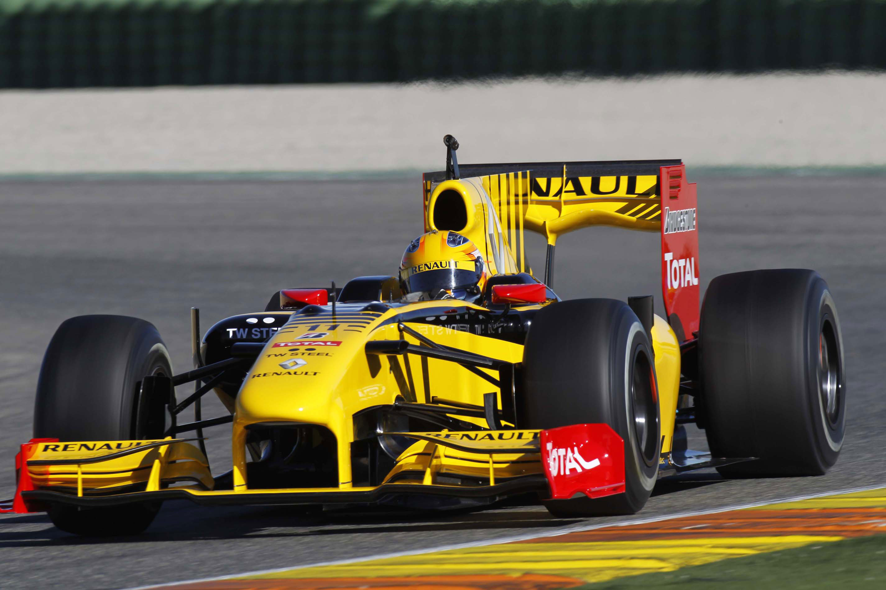Renault R 30 photo 04