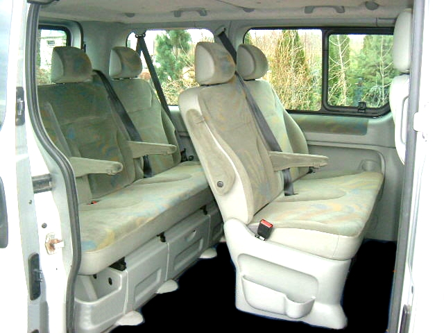 renault trafic passenger photos 6 on better parts ltd. Black Bedroom Furniture Sets. Home Design Ideas