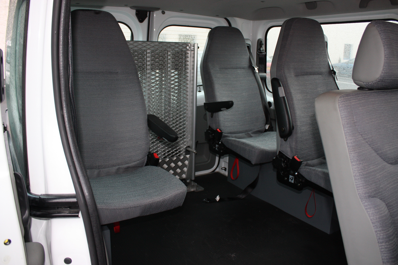 renault trafic passenger photos 15 on better parts ltd. Black Bedroom Furniture Sets. Home Design Ideas