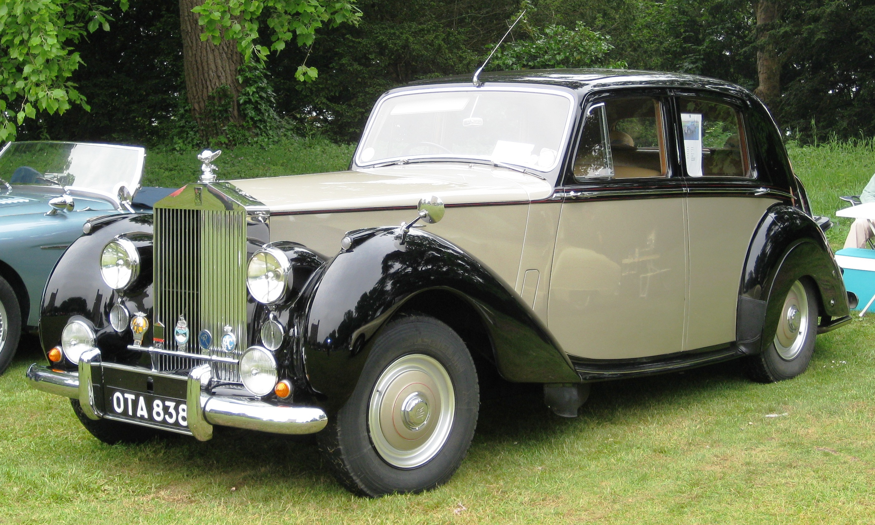 Rolls-Royce Silver Dawn photo 02