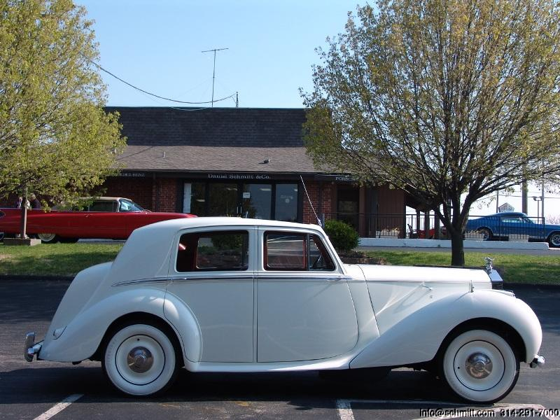 Rolls-Royce Silver Dawn photo 08