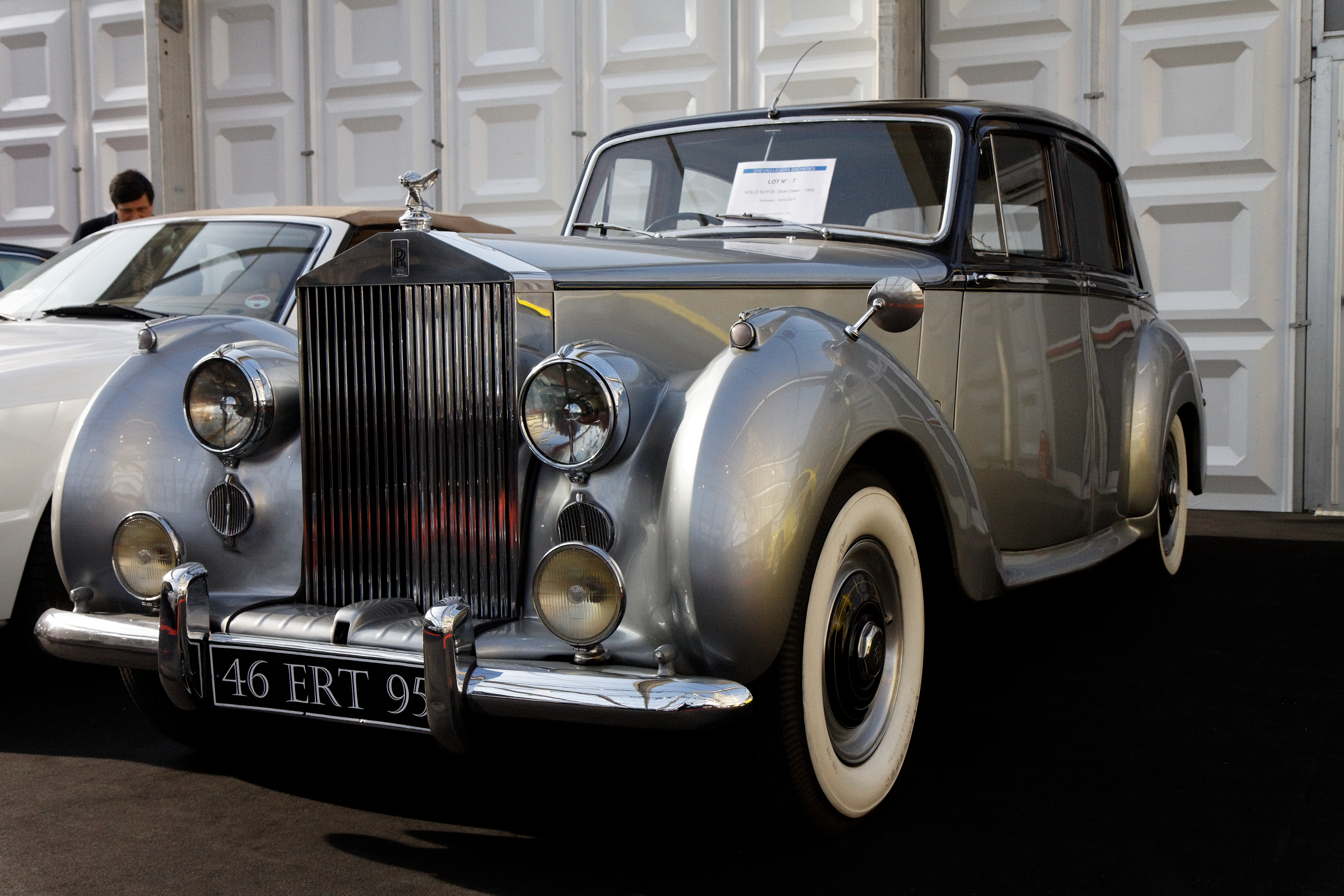 Rolls-Royce Silver Dawn photo 09