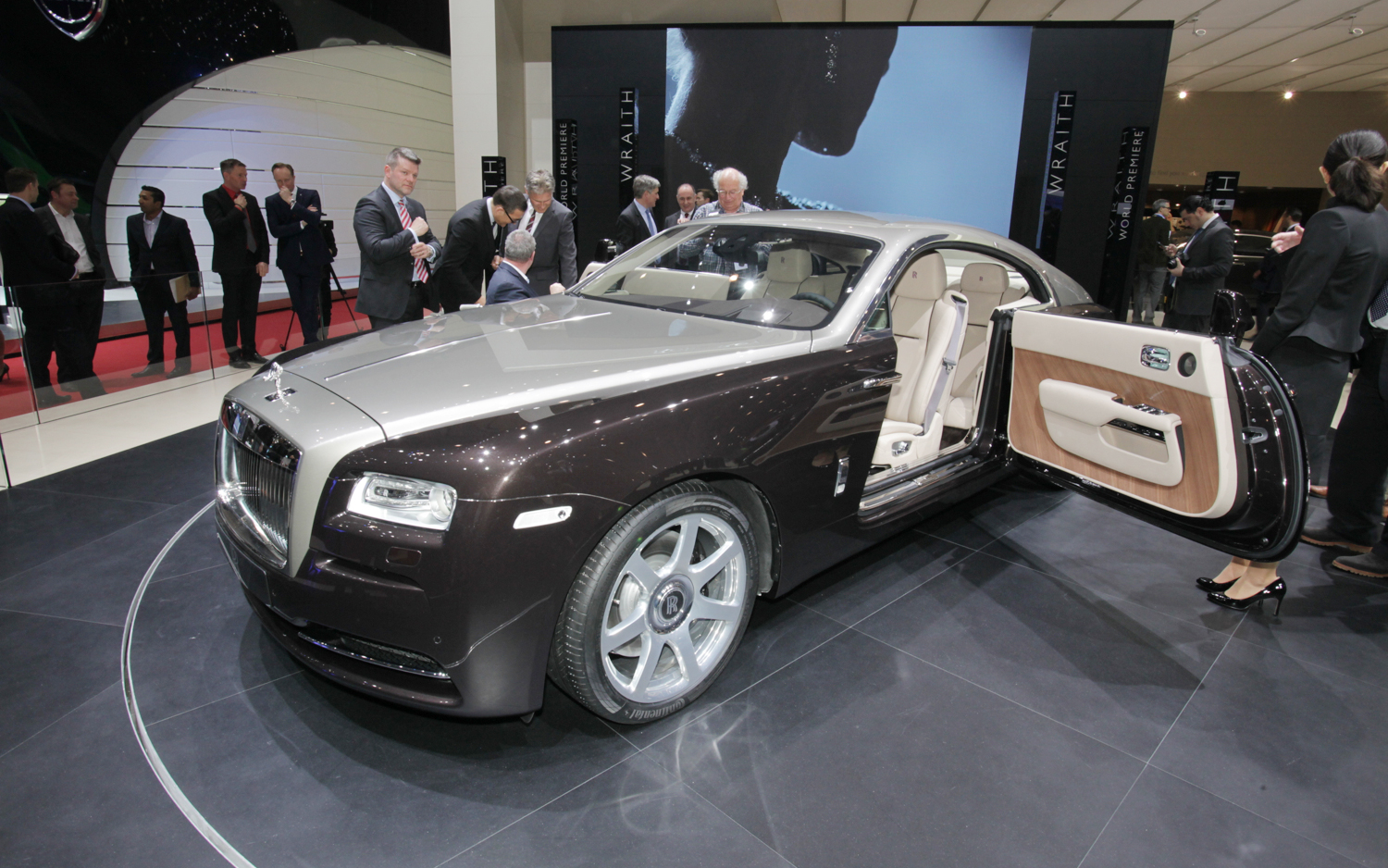 Rolls-Royce Wraith photo 01