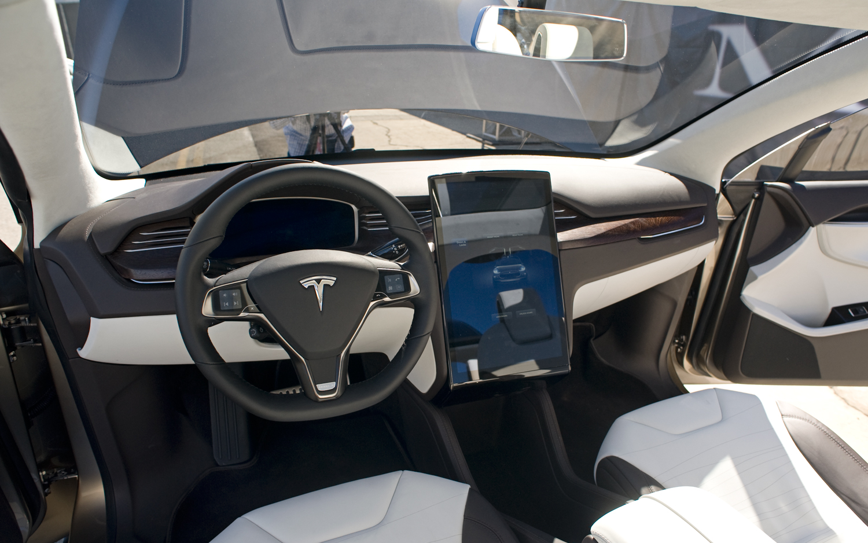 Кроссовер Tesla Model X ... - ДРАЙВ