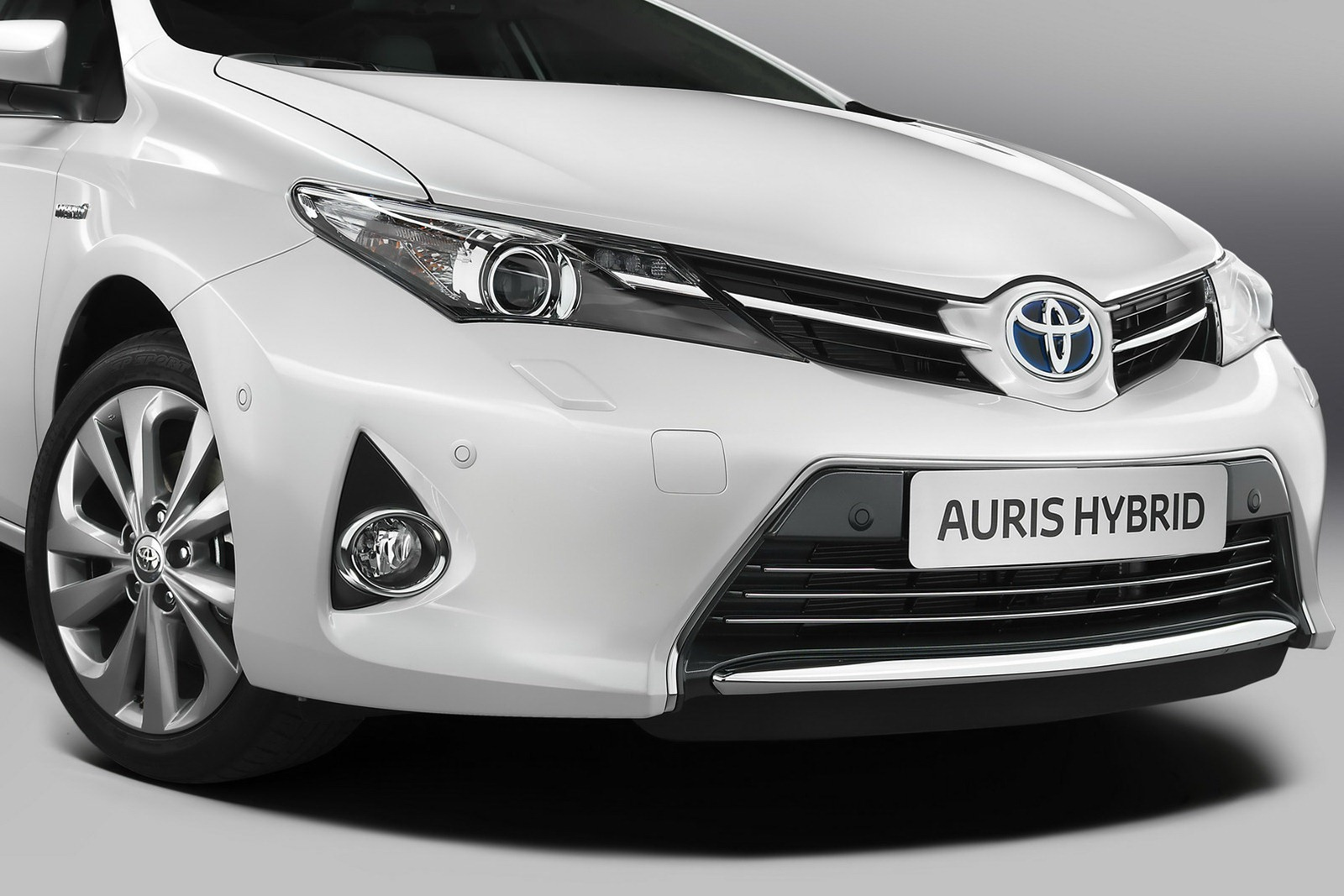 toyota auris history photos on better parts ltd. Black Bedroom Furniture Sets. Home Design Ideas