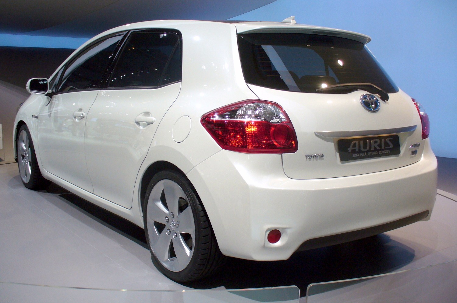 toyota auris hsd technical details history photos on better parts ltd. Black Bedroom Furniture Sets. Home Design Ideas