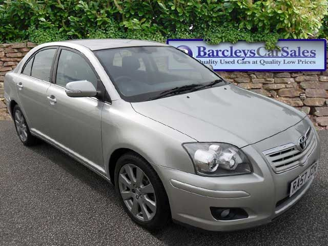 Toyota Avensis 2.0 D-4D photo 02