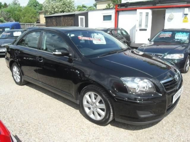 Toyota Avensis 2.0 D-4D photo 11