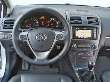 Toyota Avensis 2.2 D-CAT photo 01