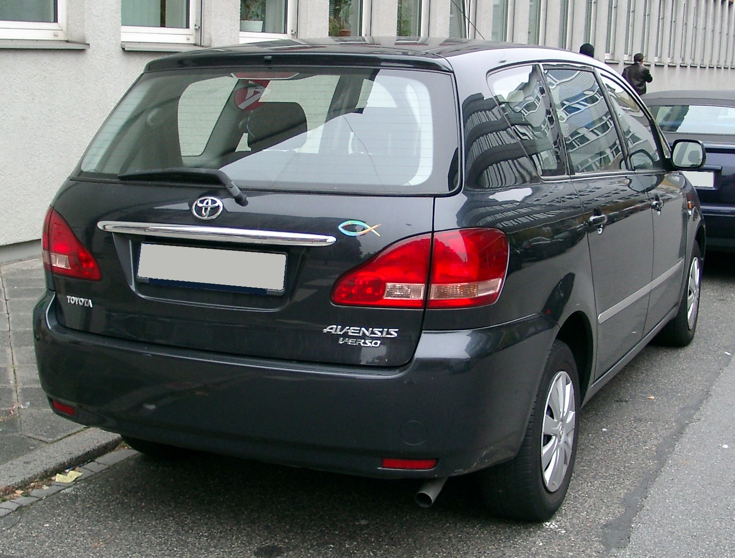 Toyota Avensis Verso photo 07