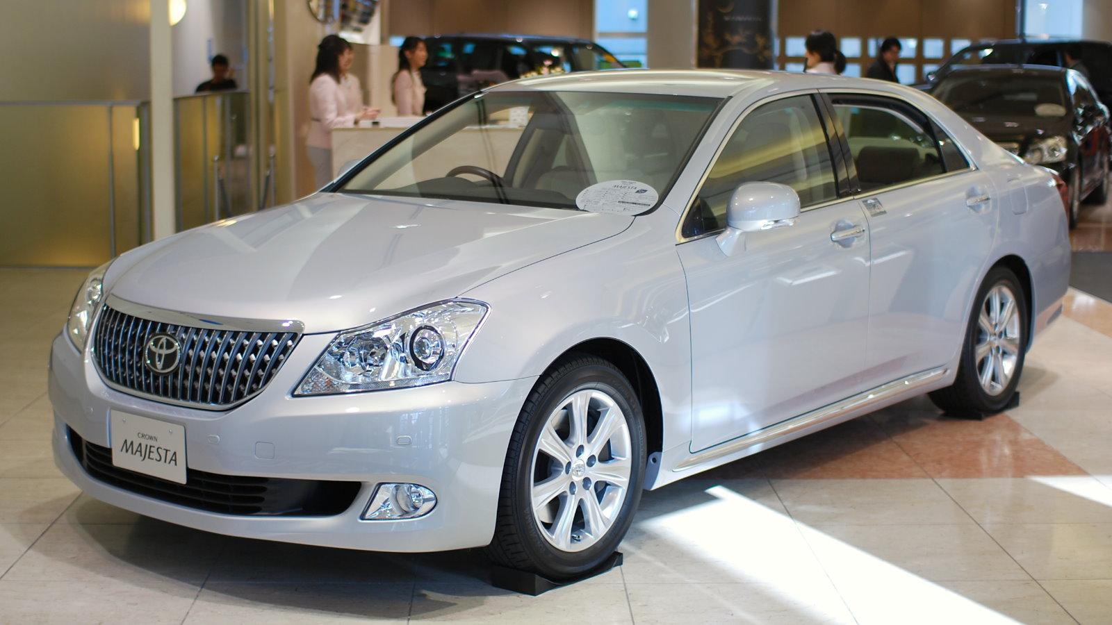 Toyota crown photo 11