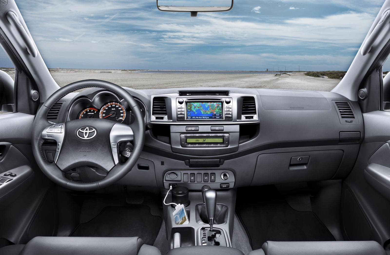 Toyota Hilux photo 12