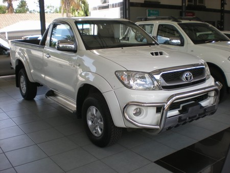 Toyota Hilux 3.0 D-4D photo 05